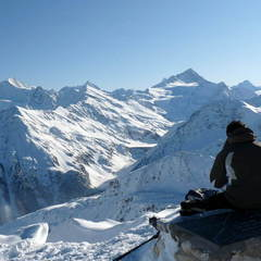Panoramic view on the 4000 peaks from St Luc ski runs