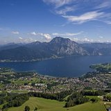 Luftbild: Traunsee von Altmünster - ©Ferienregion Traunsee