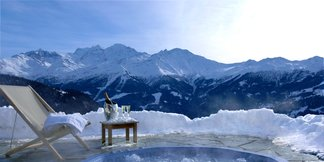 Ski lodges with hot tubs ©Septieme Ciel