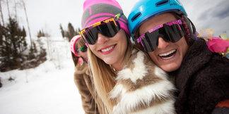 Specjalne oferty narciarskie dla Pań: w tych ośrodkach narciarki szusują gratis ©Jeremy Swanson