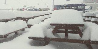 Raport śniegowy: duże opady śniegu w Austrii i Francji, warunki nadal bardzo dobre ©Kitzsteinhorn Facebook