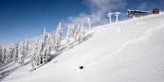 Revelstoke i Canada åpner tidlig med nesten 2 meter snø