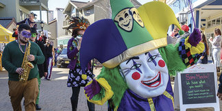 Marchdi Gras & Famous Nola Fare ©You bring the family and friends, we'll bring the fun and beads!