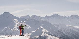 Schneebericht: Leichter Tiefdruckeinfluss nur in den Ostalpen, weiterhin sehr mild und sonnig ©TVB Mayrhofen | Dominic Ebenbichler
