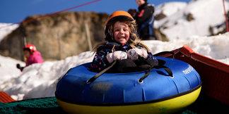 Les Pyrénées catalanes, destination idéale pour une escapade à la neige avec les enfants ©Oriol Molas - FGC