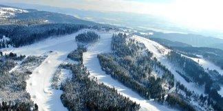 Infografika: Kolik sněhu bylo minulou zimu na českých horách ©Skiareál Plešivec facebook
