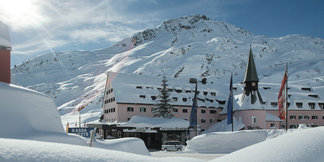 Pudder paradis eller pukkel helvede ©Arlberg Hospiz Hotel