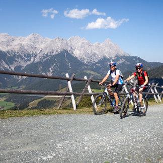 Mit dem Mountainbike auf die Buchensteinwand - ©Andreas Langreiter