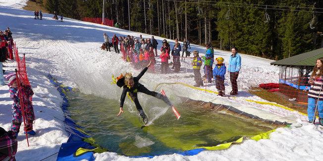 Jízda přes louži - © Skipark Gruň