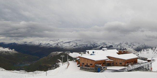 Premiers flocons sur les sommets (15 sept) - © Facebook Tignes