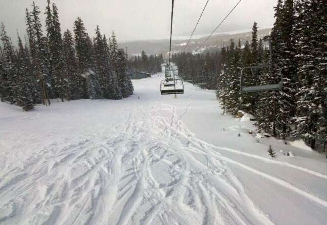 deep pow, excellent day in AZ! Made fresh tracks still at 3:30- cabt say that too often at Sunrise