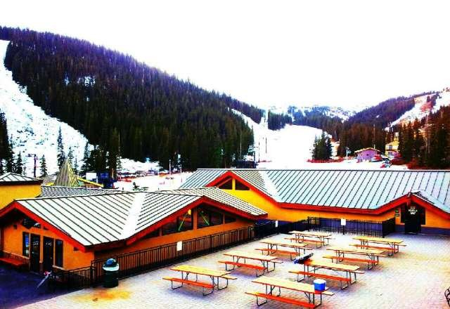 Blue bird day whos gonna be up at the luv?!?! P.s. Best hill in the rockies