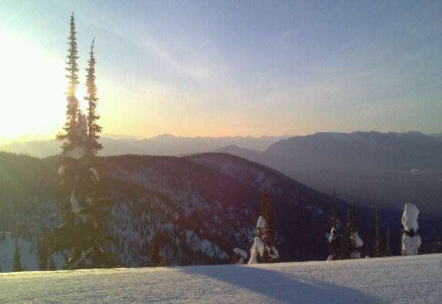 Another blue sky day on the big. Uphill friendly resort!!