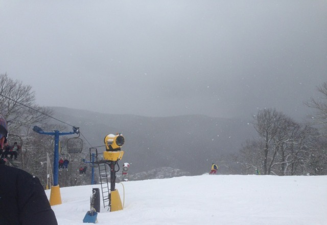 Great day at Cat today, only problem was the long lines and crowded slopes! But fresh powder came down all day long.