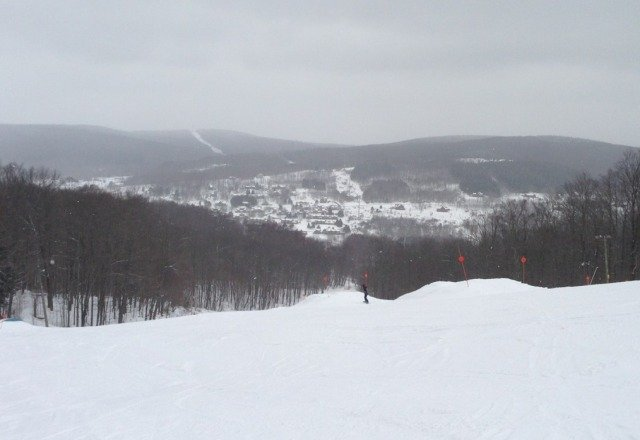 Great Day, light flurries all day. some thin spots but overall great day of March skiing.