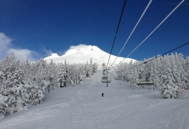amazing day at timberline! a lot of new snow, gonna make for some great groomed runs. powder mostly all skied out