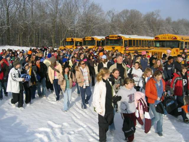 School buses unloading at Swiss Valley