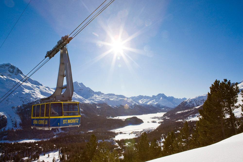 Luftseilbahn auf die Bergstation Corviglia - © ENGADIN St. Moritz