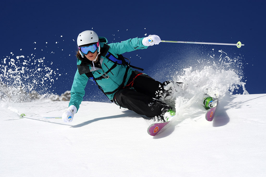 Les skis all mountain passent partout, en tout temps et en toute neige... - © Dynastar / Dan Ferrer