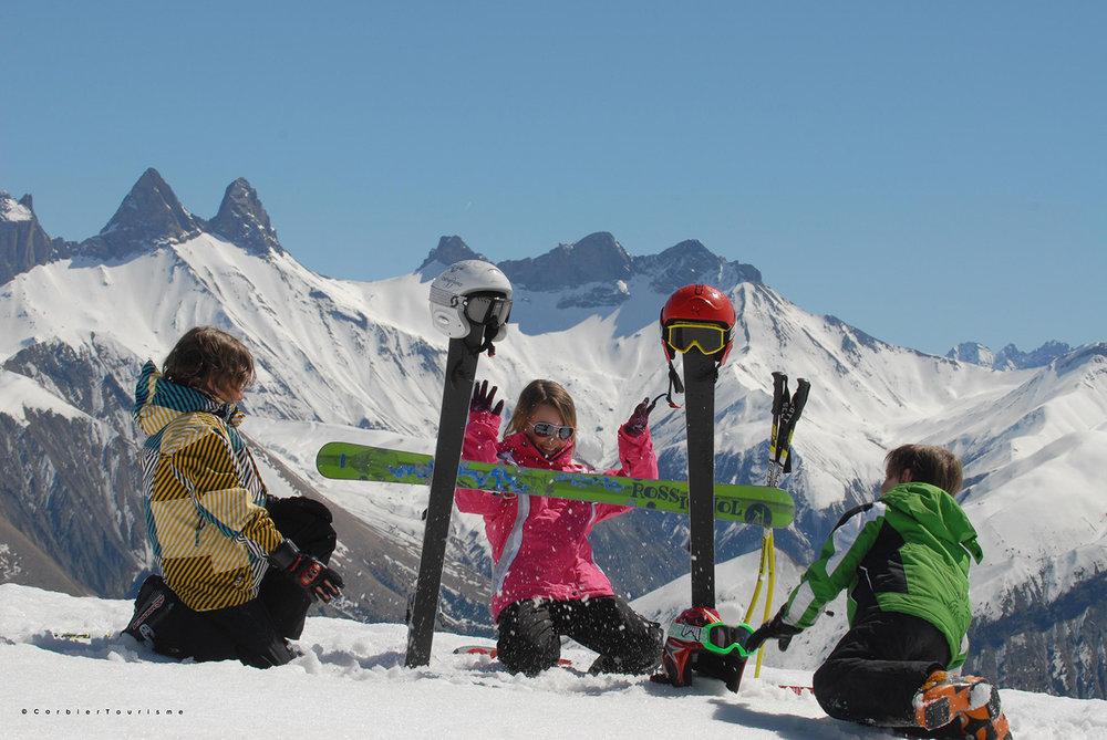 Les enfants s'en donnent à coeur joie au Corbier... - © Corbier Tourisme