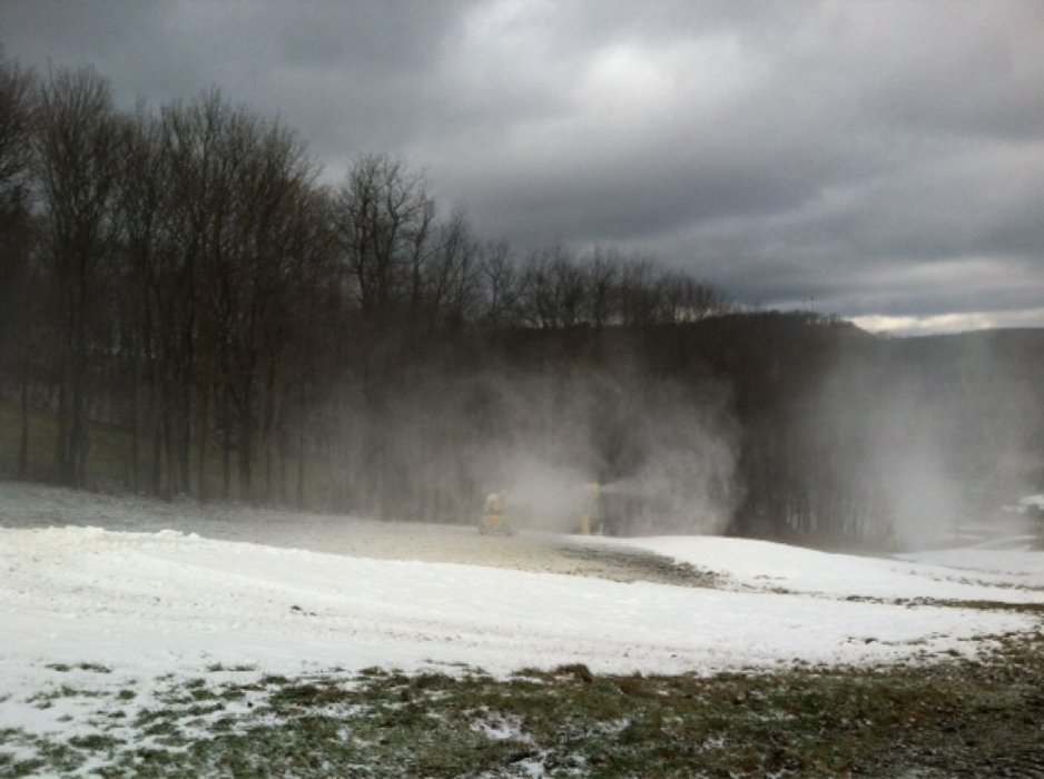 Snowmaking underway at hv