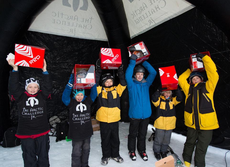 6 ski- og brettkjørere ble plukket ut og fikk fine premier