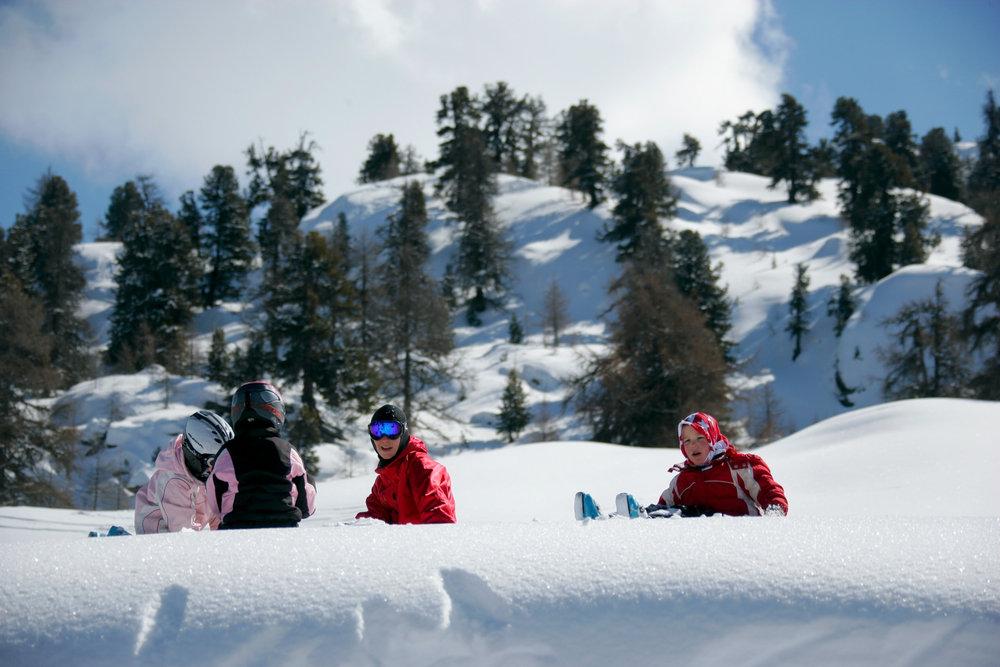 Les enfants s'en donnent à coeur joie dans la neige de Nax/Mont-Noble - © Mont-Noble Tourisme