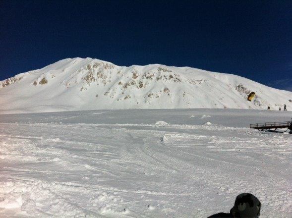 Neve fresca..giornata perfetta..unica pecca qualche pista nera non preparata e chiusa nonostante la neve abbondante
