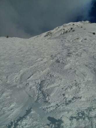 super neige sur la pistes noir des écureuils (début du grizzly) après, neige verglacé sur toute la fin de la piste.