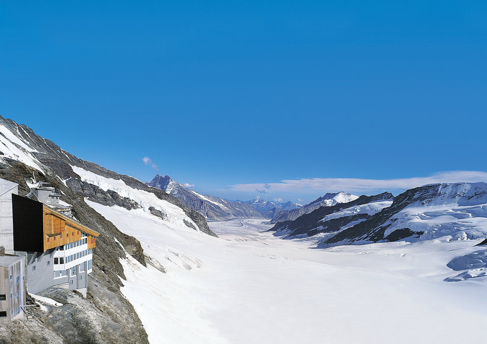 g nstig in die schweiz in diesen skigebieten gibt es die besten schn ppchen. Black Bedroom Furniture Sets. Home Design Ideas