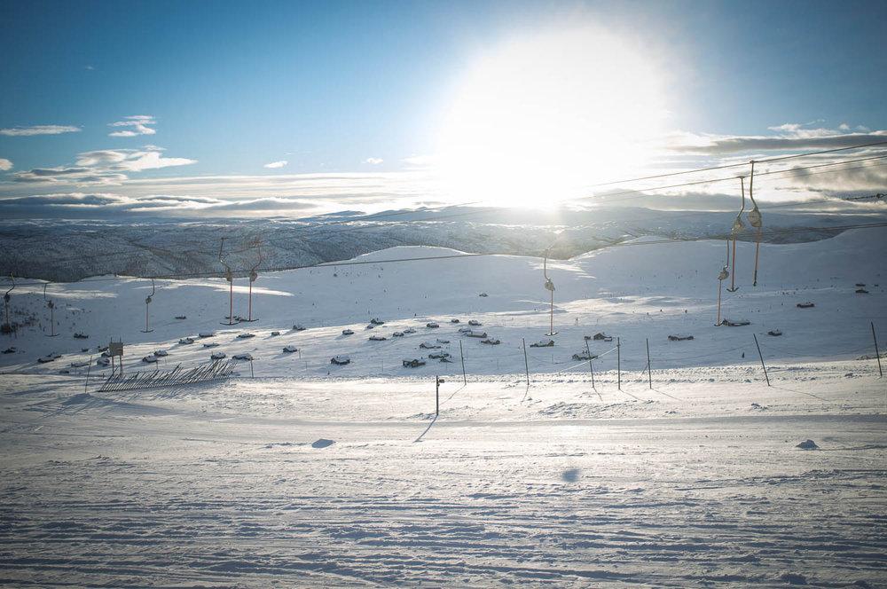 Sola skinte over Geilo, og turen vår. - © Eirik Aspaas