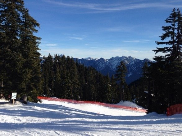 Nice Spring conditions, little soft snow on top of hard groomed base. It doesn't feel like January, need more snow!