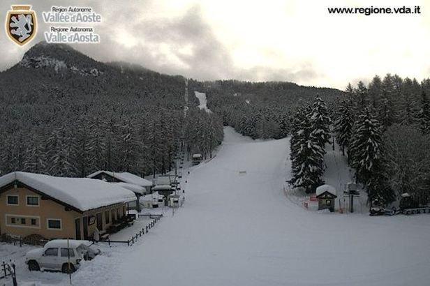 Colle di Joux - Durante e dopo l'ultima nevicata del weekend | 18-19 Gen 2014