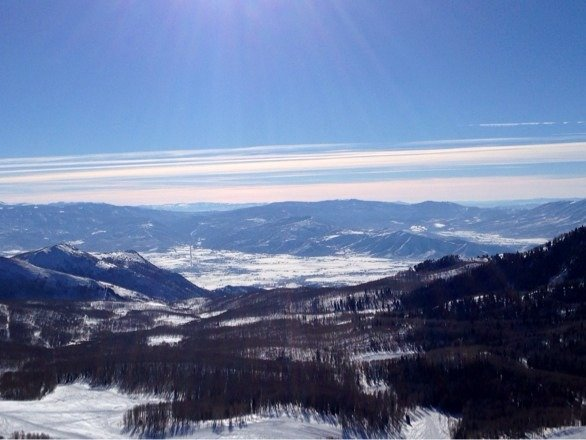 Bluebird all week. Good conditions considering lack of snow. Zero lines and mountain is empty thanks to Sundance!