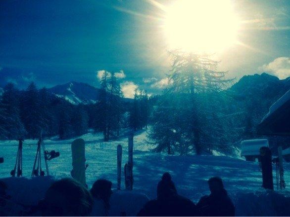 Beau soleil, et neige excellente!!