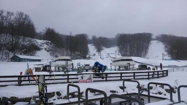 was great till freezing rain came and every lift shut down. a ski resort that can't operate in the winter. pathetic. last triple play I get. even at $70 not worth it.