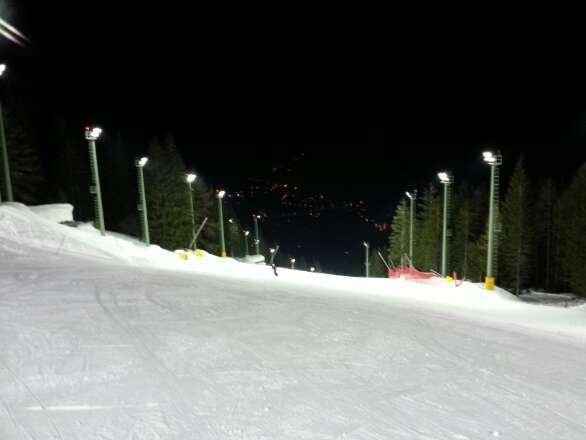 Sabato Ski Night. Bella pista.