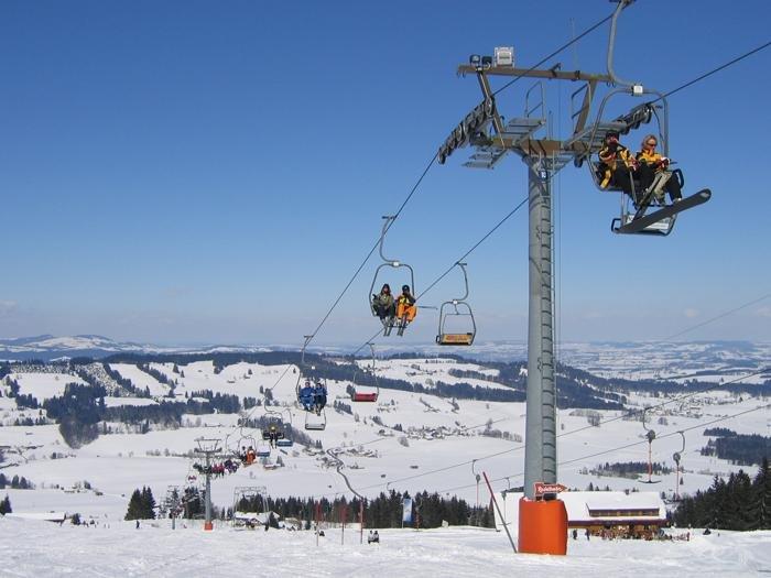 Auch die alte 2er-Sesselbahn am Grünten wird nach der Saison 2019/2020 abgebaut - ©  Grüntenlifte Betriebs-GmbH