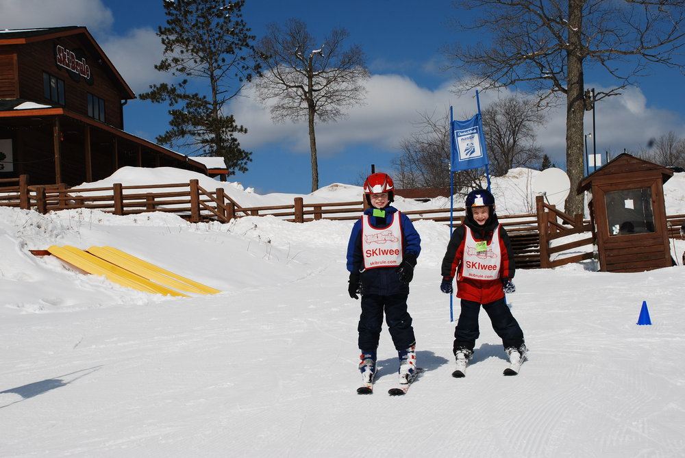 Parents love Ski Brule's outstanding SKIwee program. - © Ski Brule