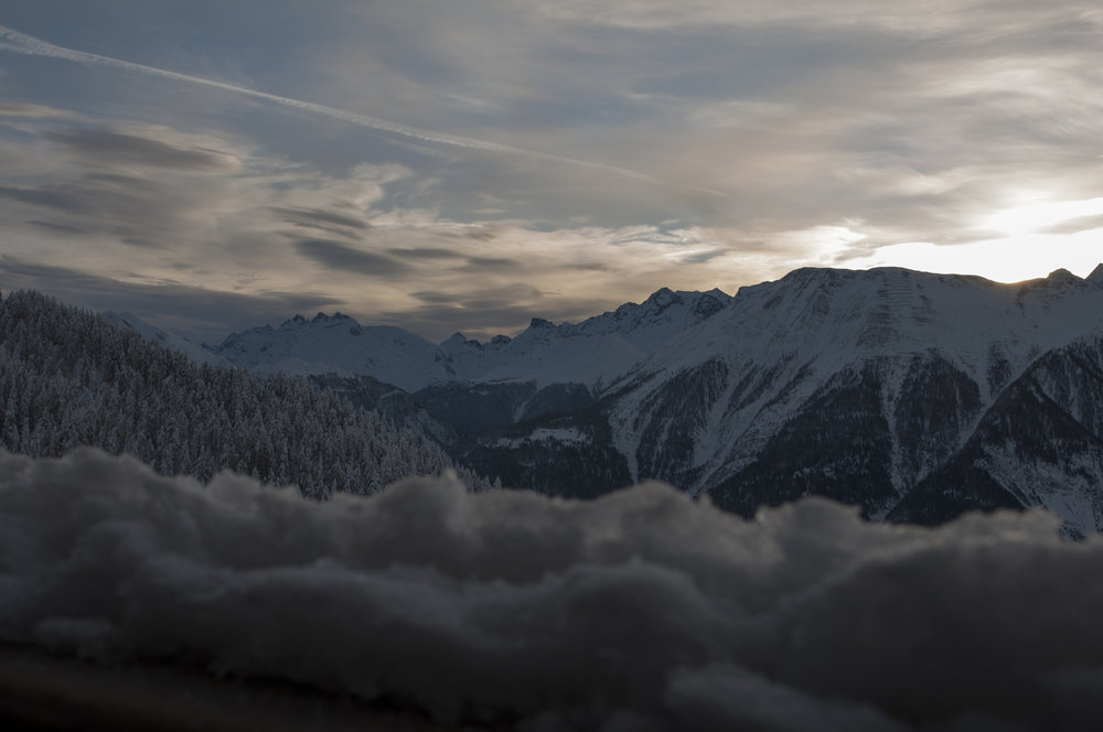 The sun goes down in a cabalistic way here - © Aletsch Arena