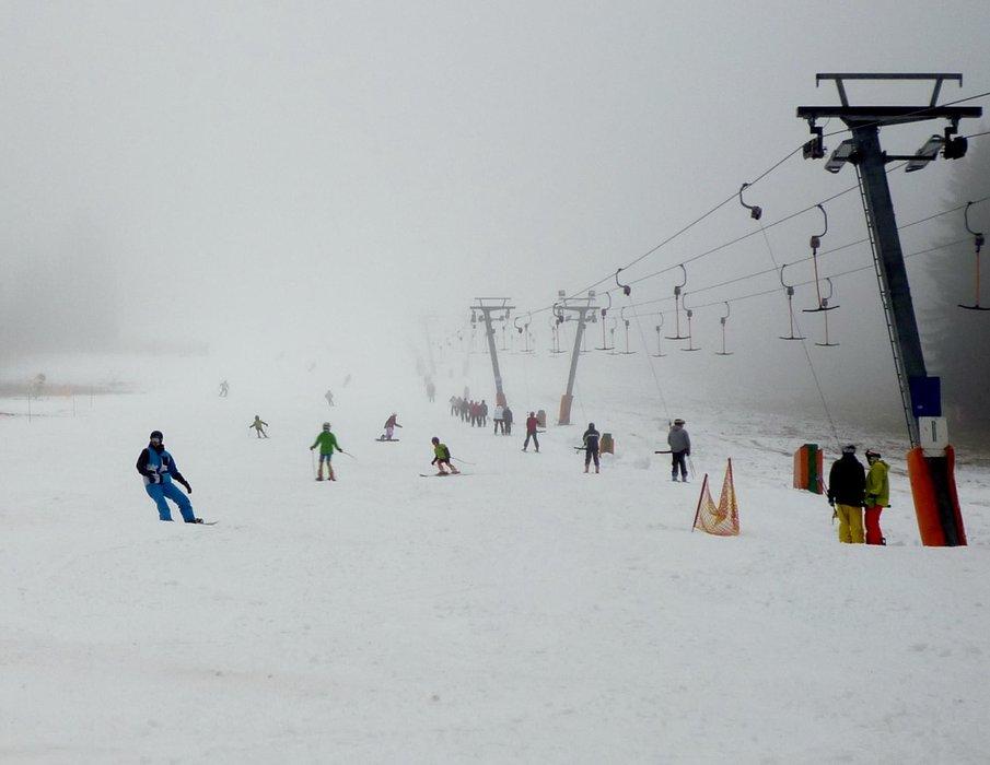 Zimní sezóna 2014/15 na Javoru v Peci pod Sněžkou se rozjíždí - © facebook.com/SkiResortCernaHoraPec