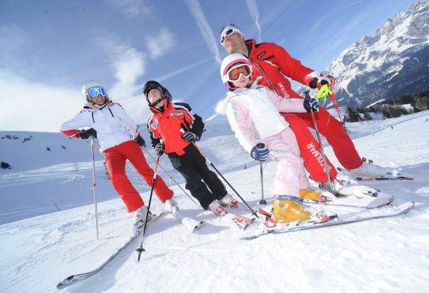 Lyžiarska dovolenka na horách je obľúbený spôsob, ako tráviť voľný čas s rodinou - © Riccardo Agosti