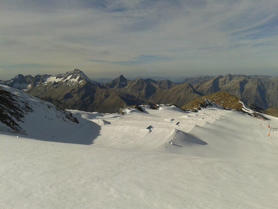 Les 2 Alpes snowpark Oct. 20, 2014 - © Les 2 Alpes Tourism