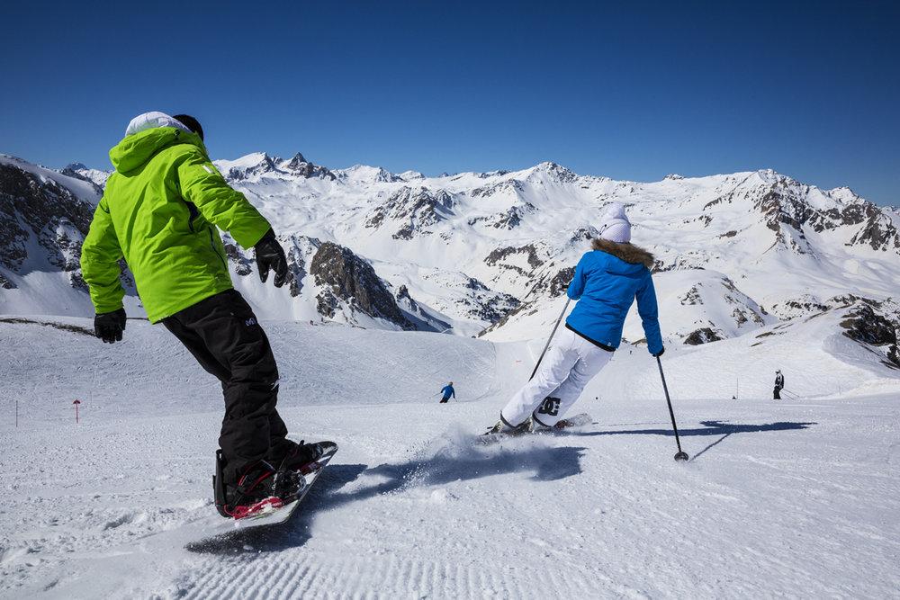 Skieurs et snoboarders s'en donnent à coeur joie sur les pentes enneigées de Valfrejus - © Pierre Jacques