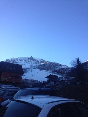 Poca neve: buona in quota, ghiacciata a valle.