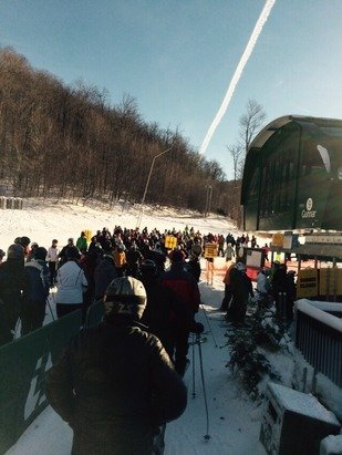 Craving groomers.  Big crowds at Gunnar.  Polar Bear on back up generators only loading 4.  Sunshine and warmer temperatures.  Snow is fast today.