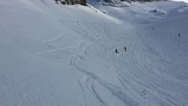 taken 2 days ago. making a good effort but drove to Chamonix and flaine. didnt ski carroz.
