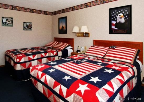 Econo Lodge Inn & Suites Dubuque