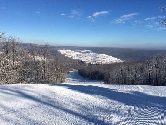 Phenomenal conditions at Hidden Valley today! Sunny with great snow.