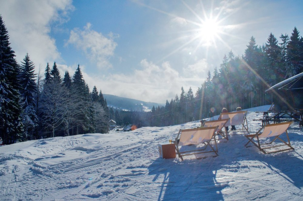 Sunny day on slopes in Ricky, Czech Rep. - © facebook.com/skicentrumricky